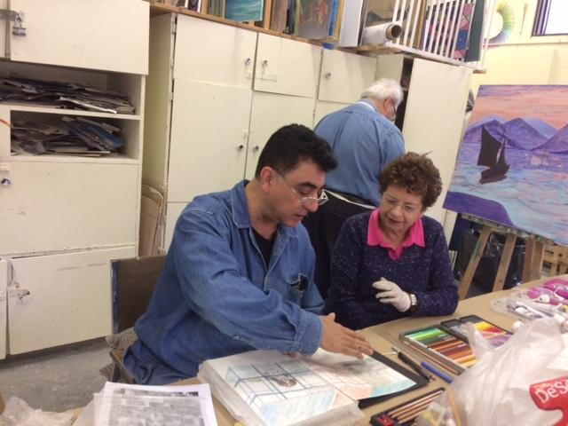 Art teacher inspires students to create art